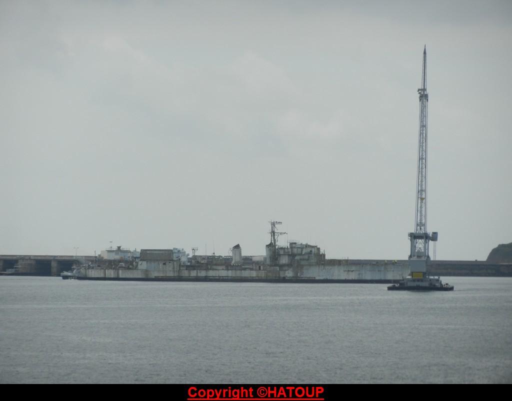[Autre sujet Marine Nationale] Démantèlement, déconstruction des navires - TOME 2 - Page 2 150522022446749019