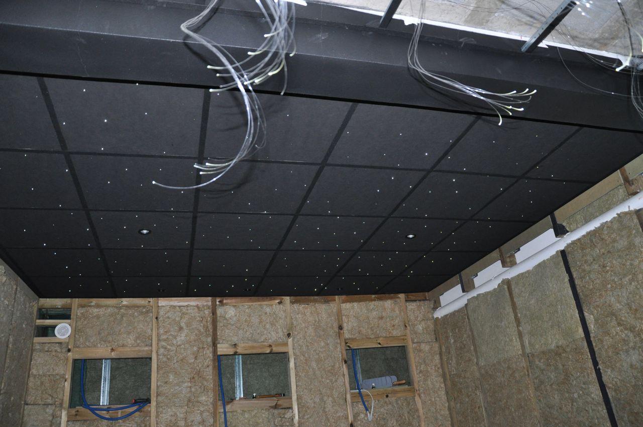 Home cinema voir le sujet salle d di e en sous sol for Pose faux plafond dalle