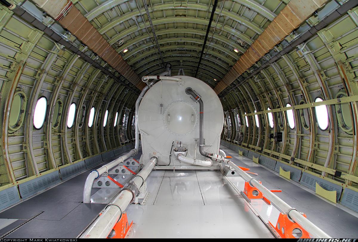 Www crash aerien aero avions ravitailleurs for Interieur 747 cargo