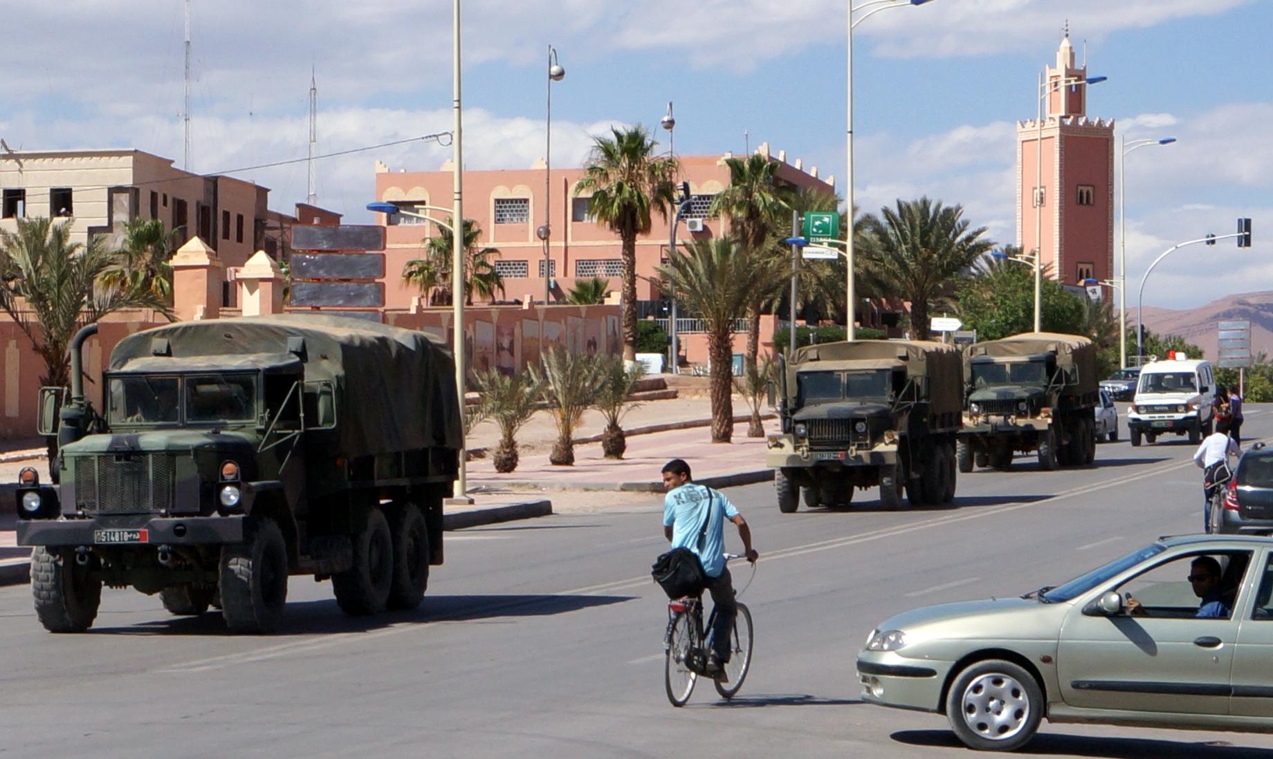 Photos - Logistique et Camions / Logistics and Trucks - Page 4 150805014347249519
