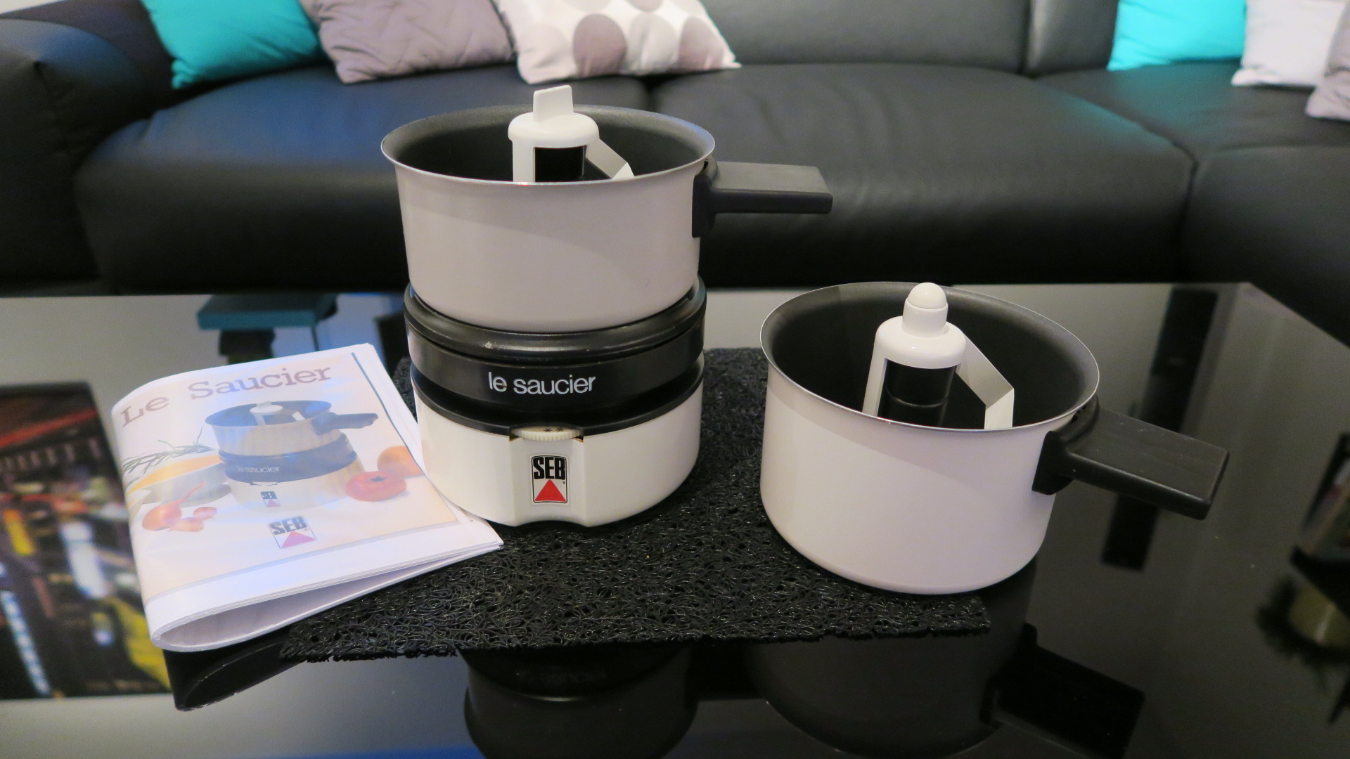 le saucier seb sauce maker seb excellent condition with 2 pots reciepes. Black Bedroom Furniture Sets. Home Design Ideas