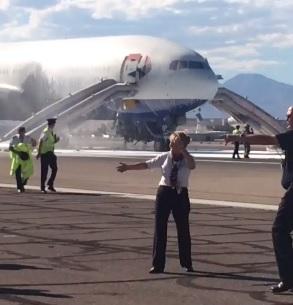 Boeing 777 BA2276 incendie sur la piste à Las Vegas 150909090921977270