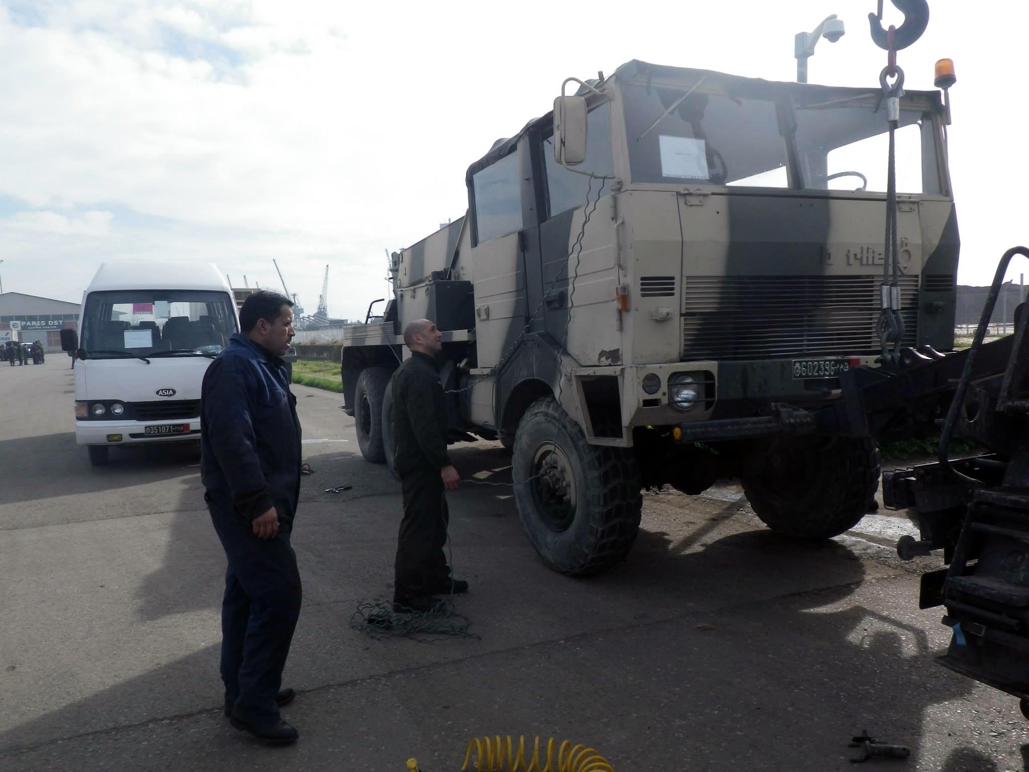 Photos - Logistique et Camions / Logistics and Trucks - Page 5 150924055453809894