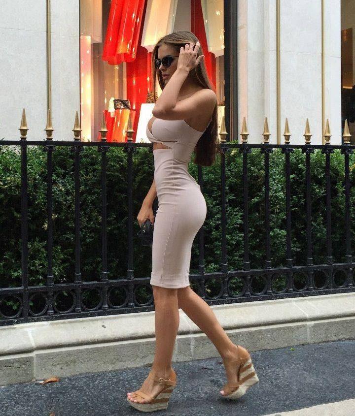 Obcisłe sukienki #37 21