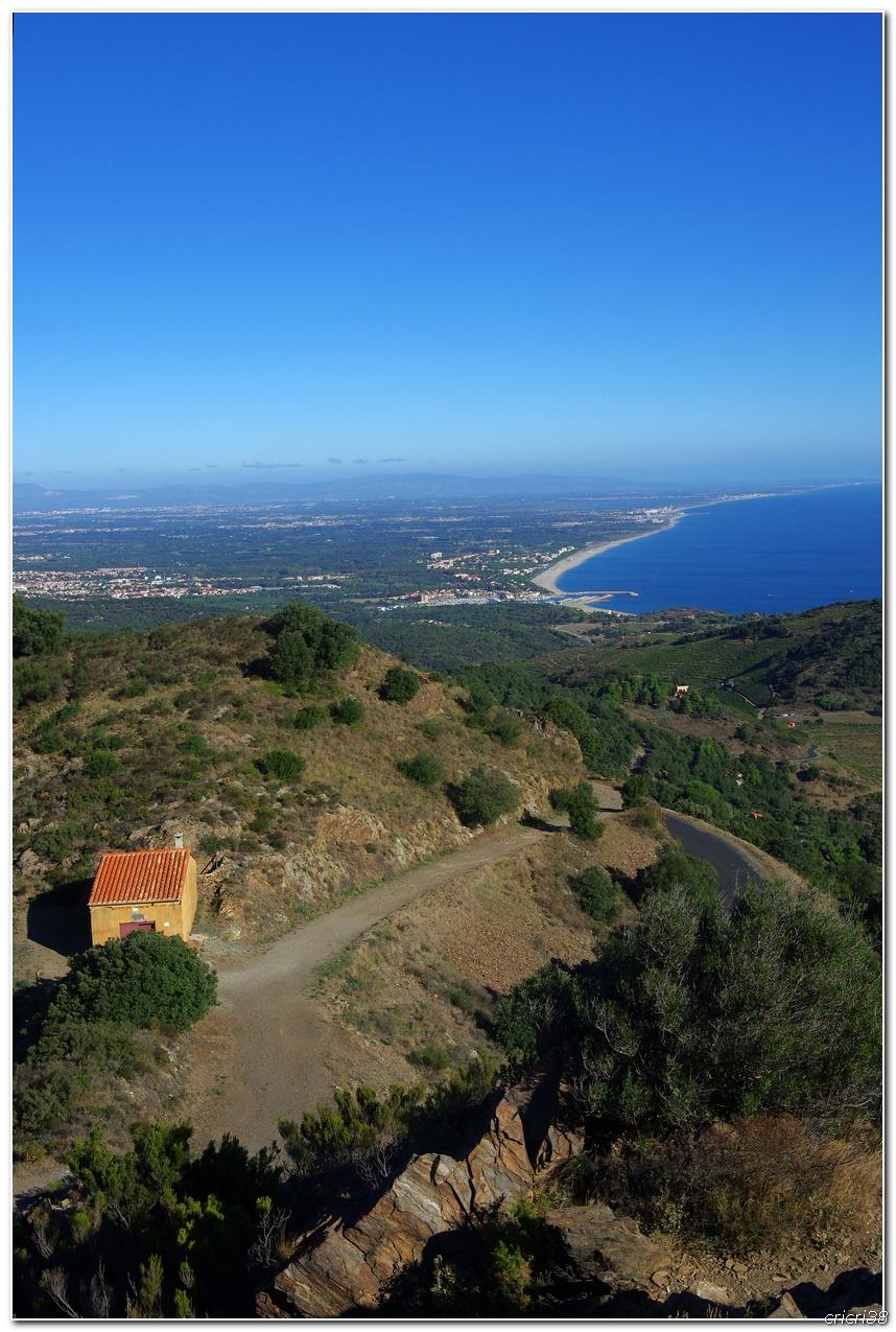 Vue sur les Vignobles de  Banyuls et de la tour  Madeloc 150929110000436566