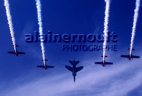 la patrouille acrobatique : la marche verte - Page 8 151005033518937089