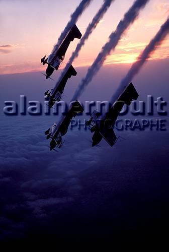 la patrouille acrobatique : la marche verte - Page 8 151005033519433960