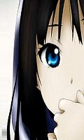 Une jeune fille au cheveux long, lisse et noir et aux yeux bleus pour un avatar manga