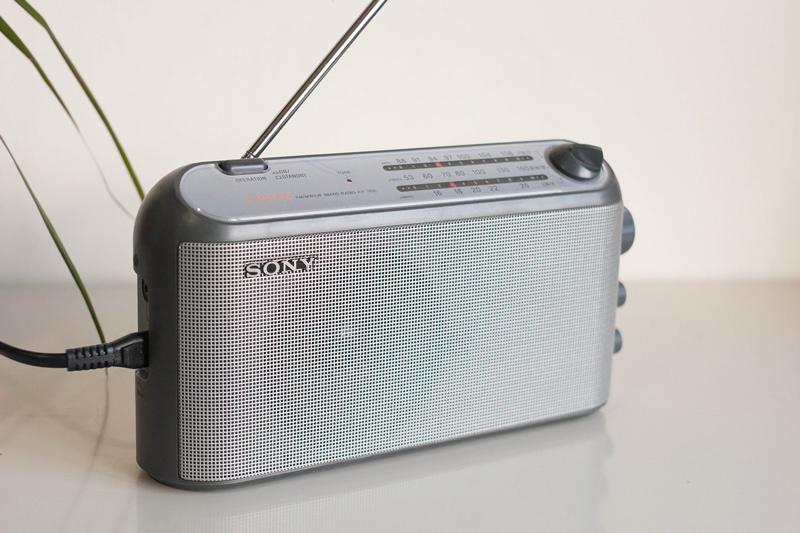 poste radio portable sony icf 703l ebay. Black Bedroom Furniture Sets. Home Design Ideas