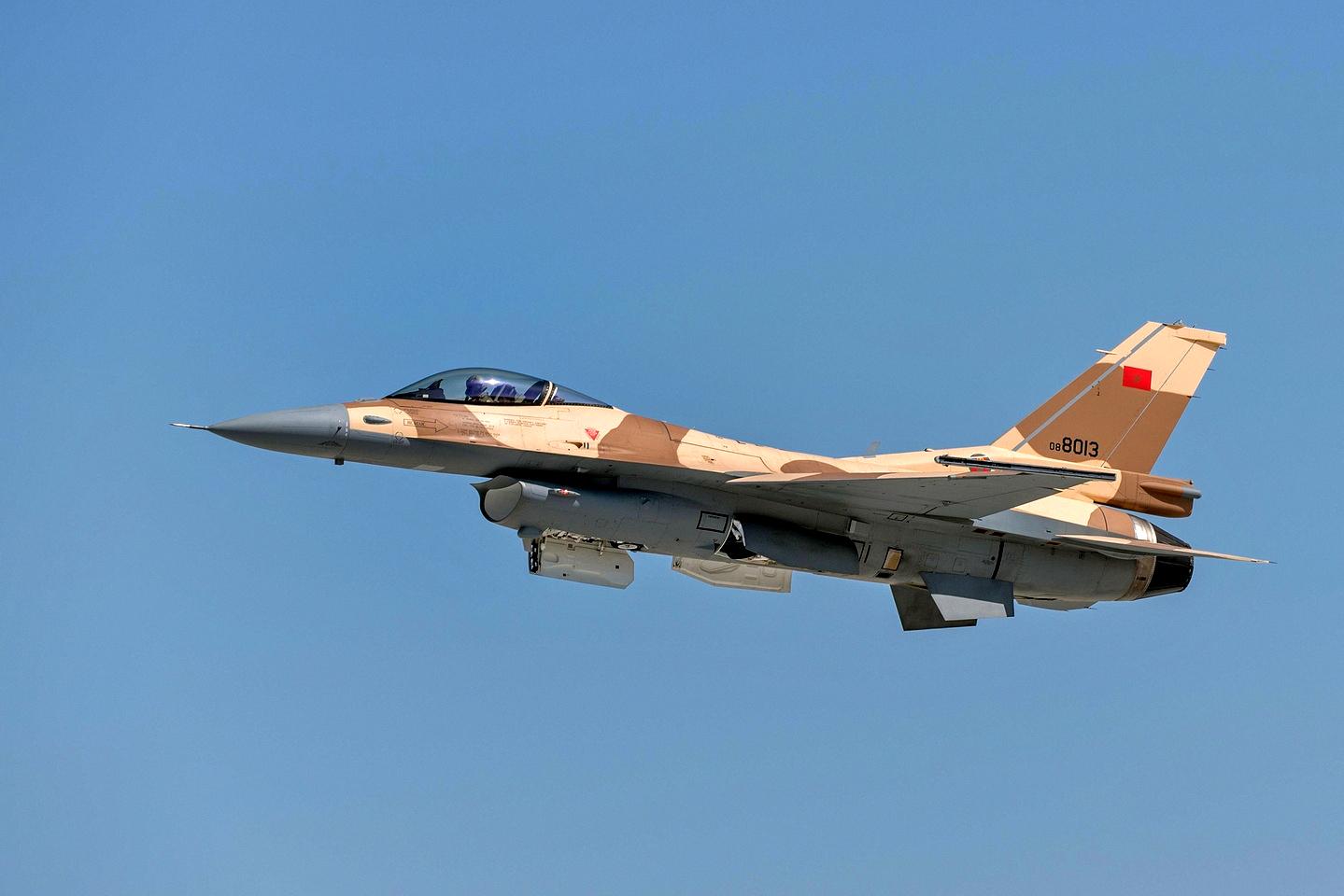 القوات الجوية الملكية المغربية - متجدد - - صفحة 2 151217035146927337