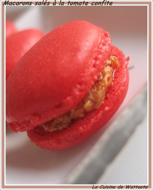 macarons-sale-tomate-confite