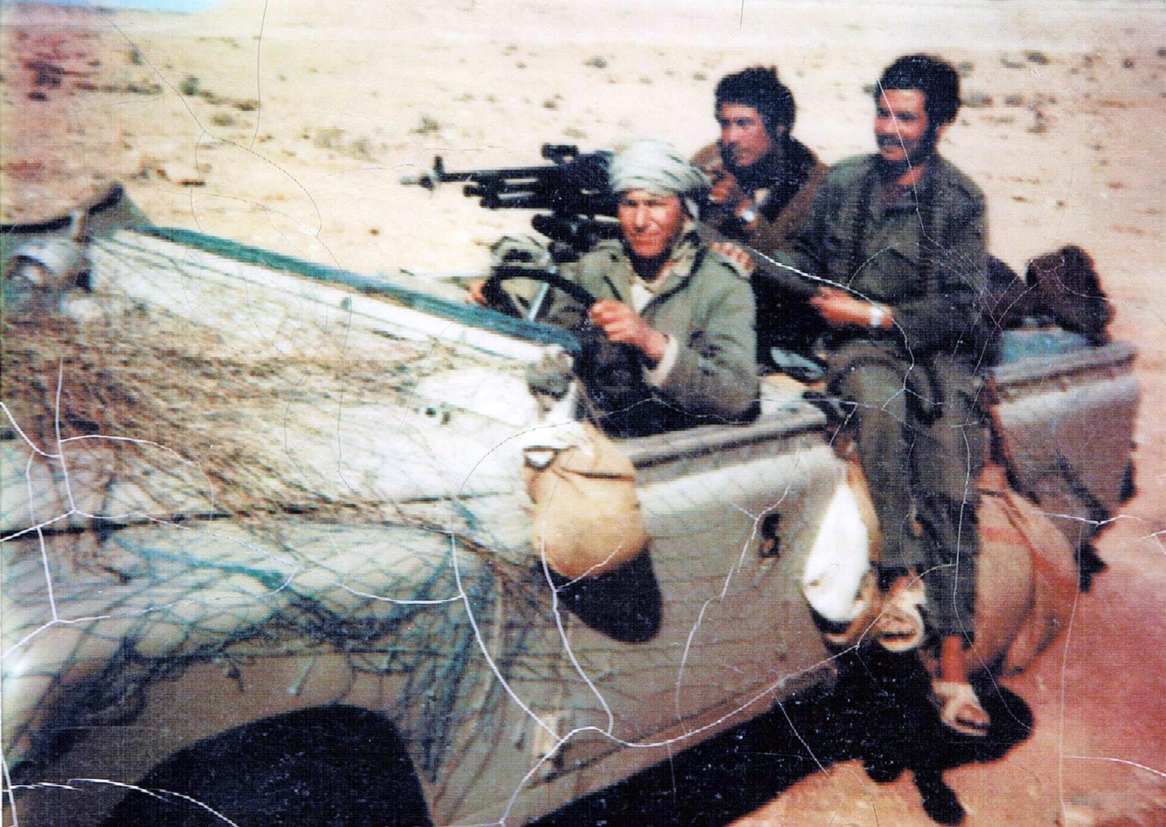 Le conflit armé du sahara marocain - Page 8 151221043748210430