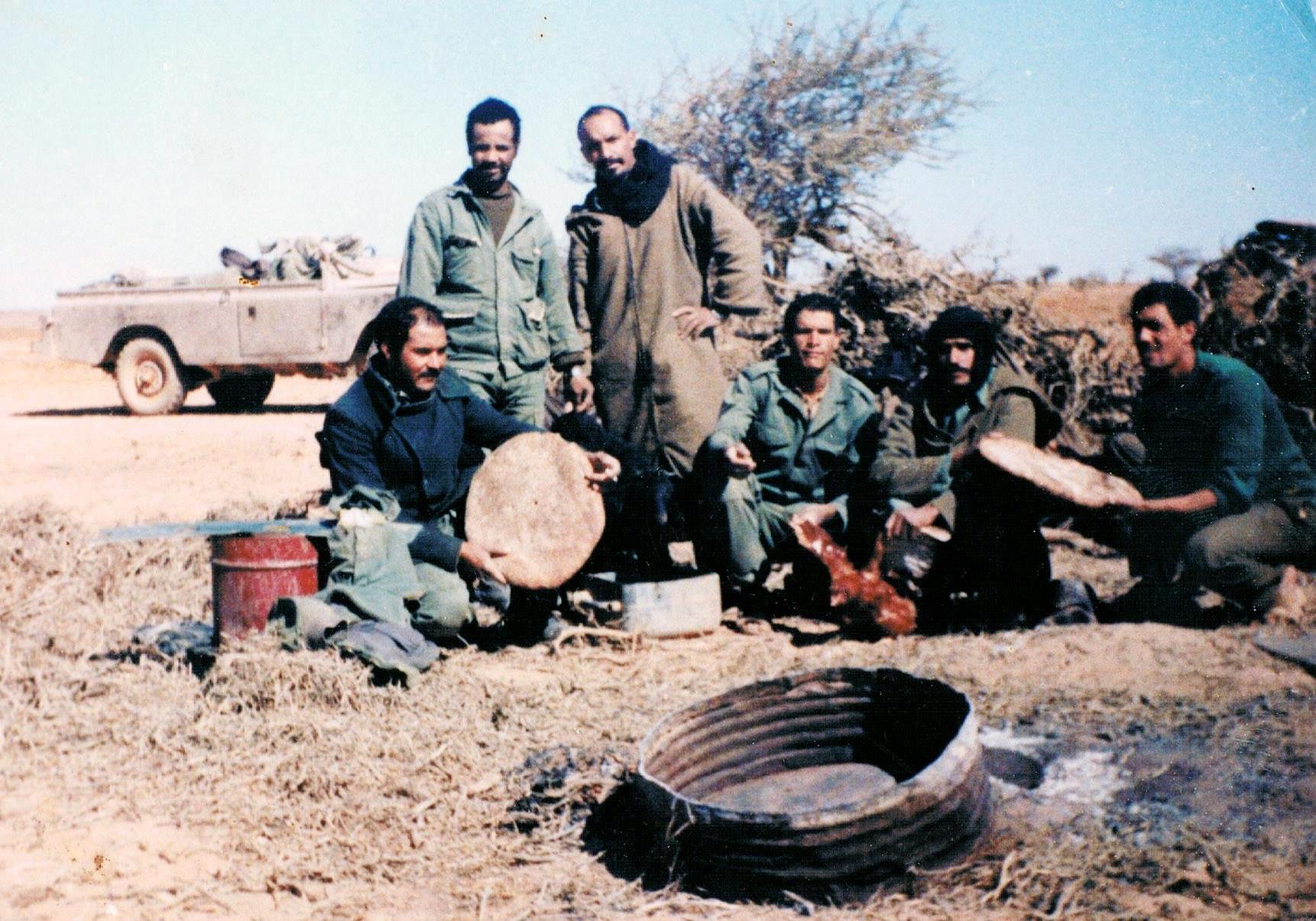 Le conflit armé du sahara marocain - Page 8 151221043748829928