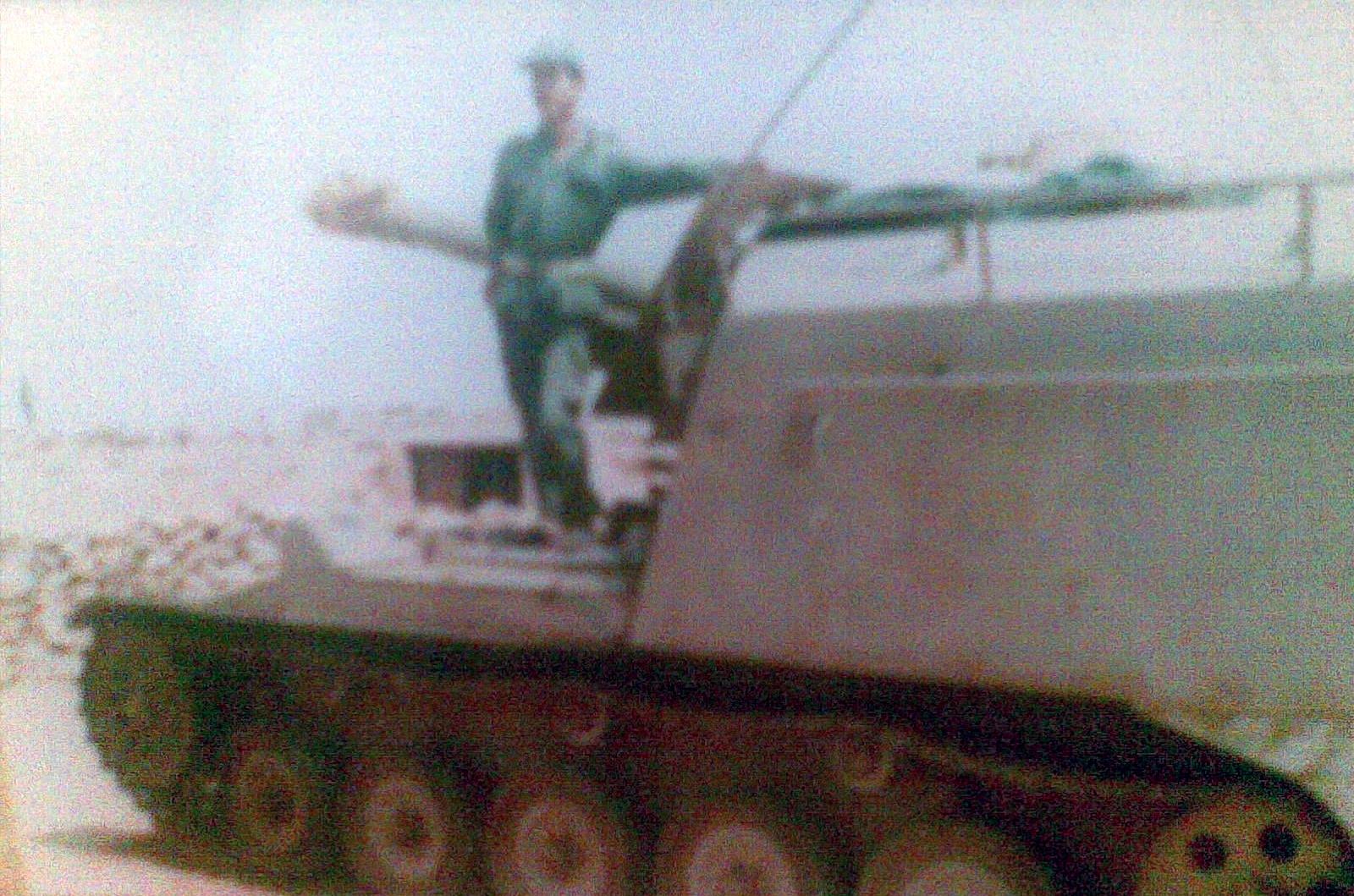 Le conflit armé du sahara marocain - Page 8 15122104474632153