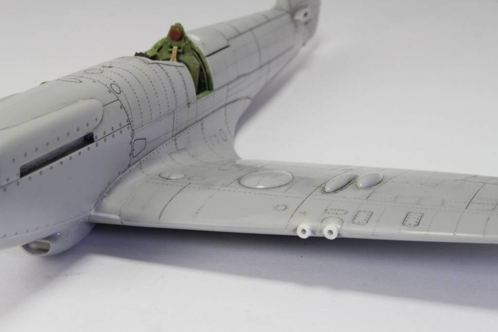 Spitfire F MK 22 , Eduard 1/48 .Limited édition ! 15122905270144861