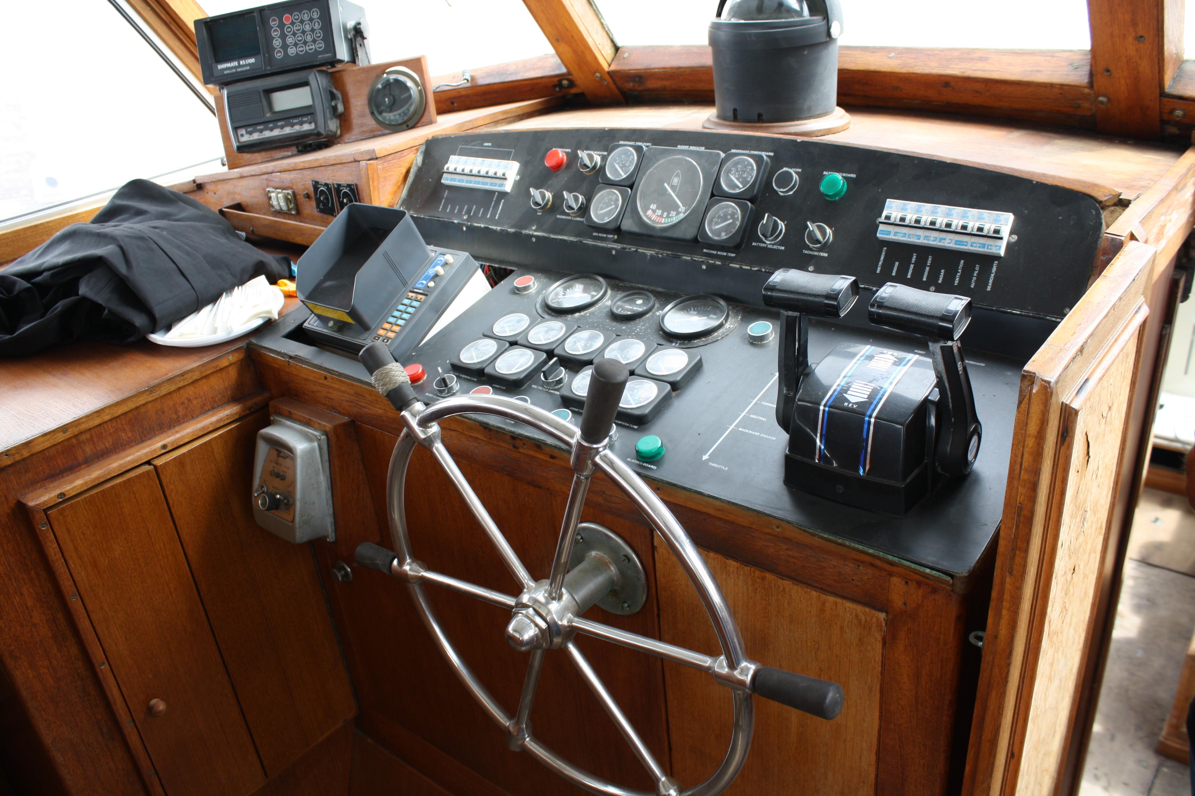 Le Yacht Royal ALPA est à vendre! - Page 5 160109053826158097