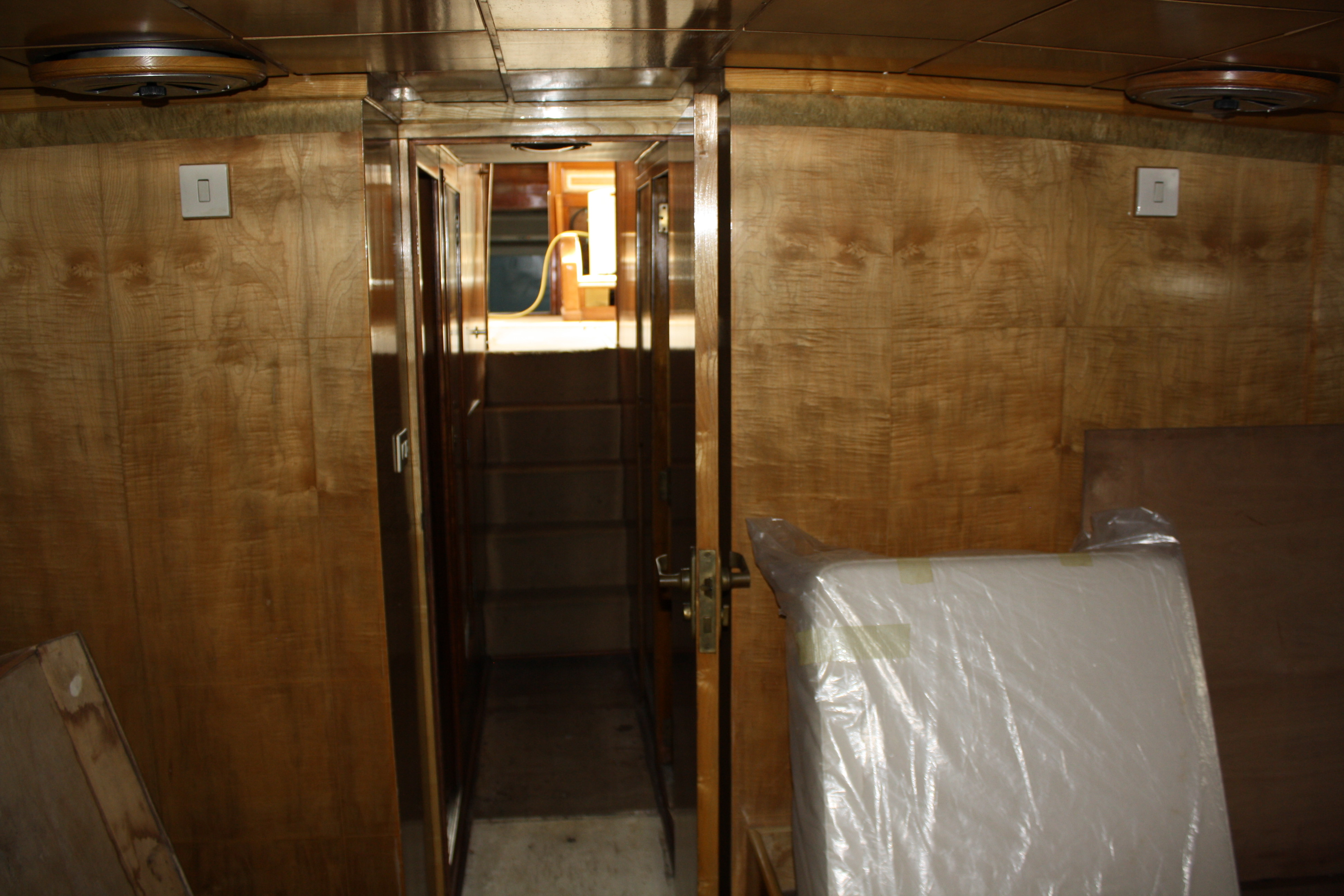 Le Yacht Royal ALPA est à vendre! - Page 5 160109054854426727