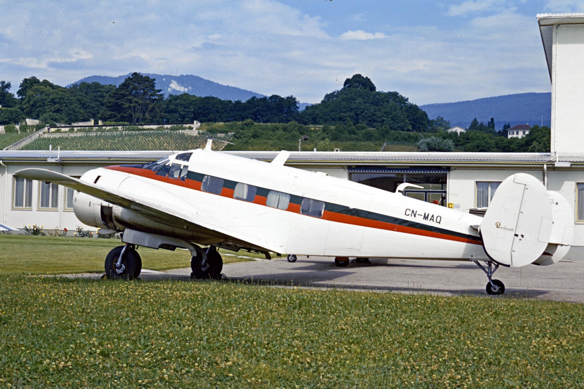 FRA: Photos anciens avions des FRA - Page 7 16011011002446242