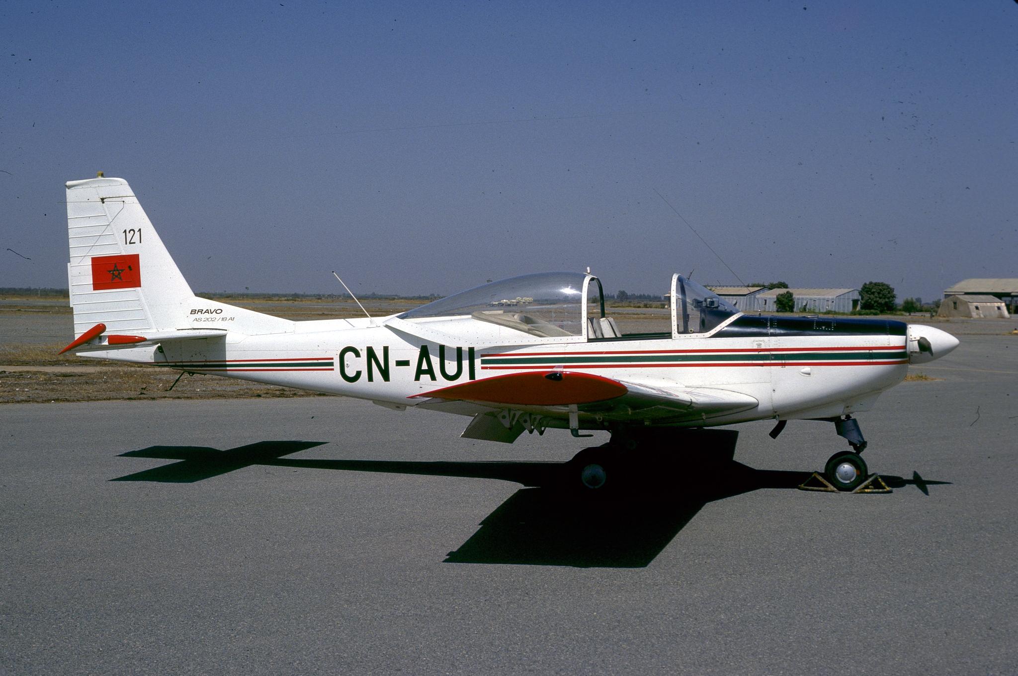 FRA: Photos avions d'entrainement et anti insurrection - Page 8 160119021340164952