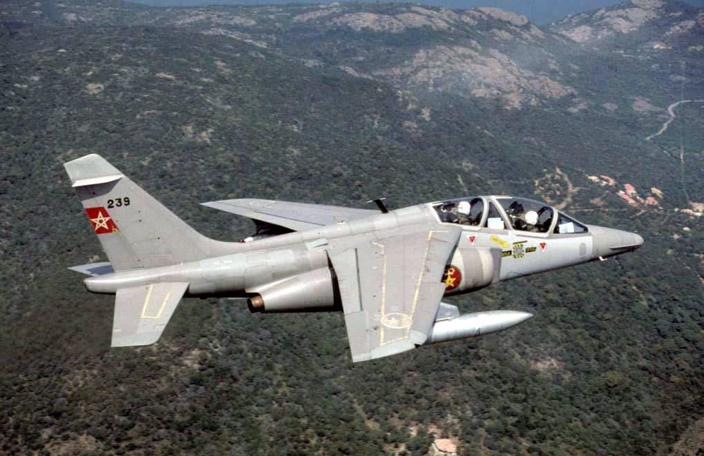 FRA: Photos avions d'entrainement et anti insurrection - Page 8 160122051510167294