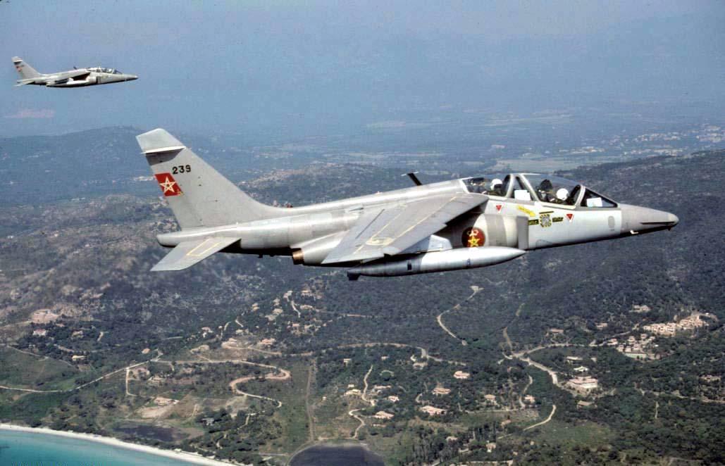 FRA: Photos avions d'entrainement et anti insurrection - Page 8 16012205151049441
