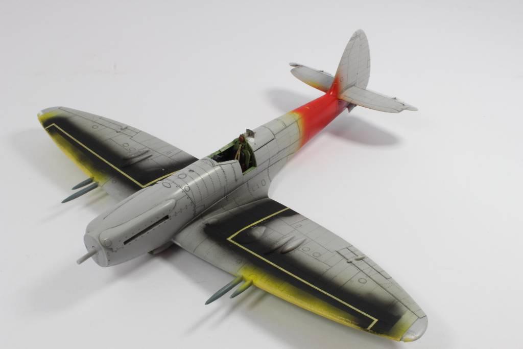 Spitfire F MK 22 , Eduard 1/48 .Limited édition ! 160124121533974619