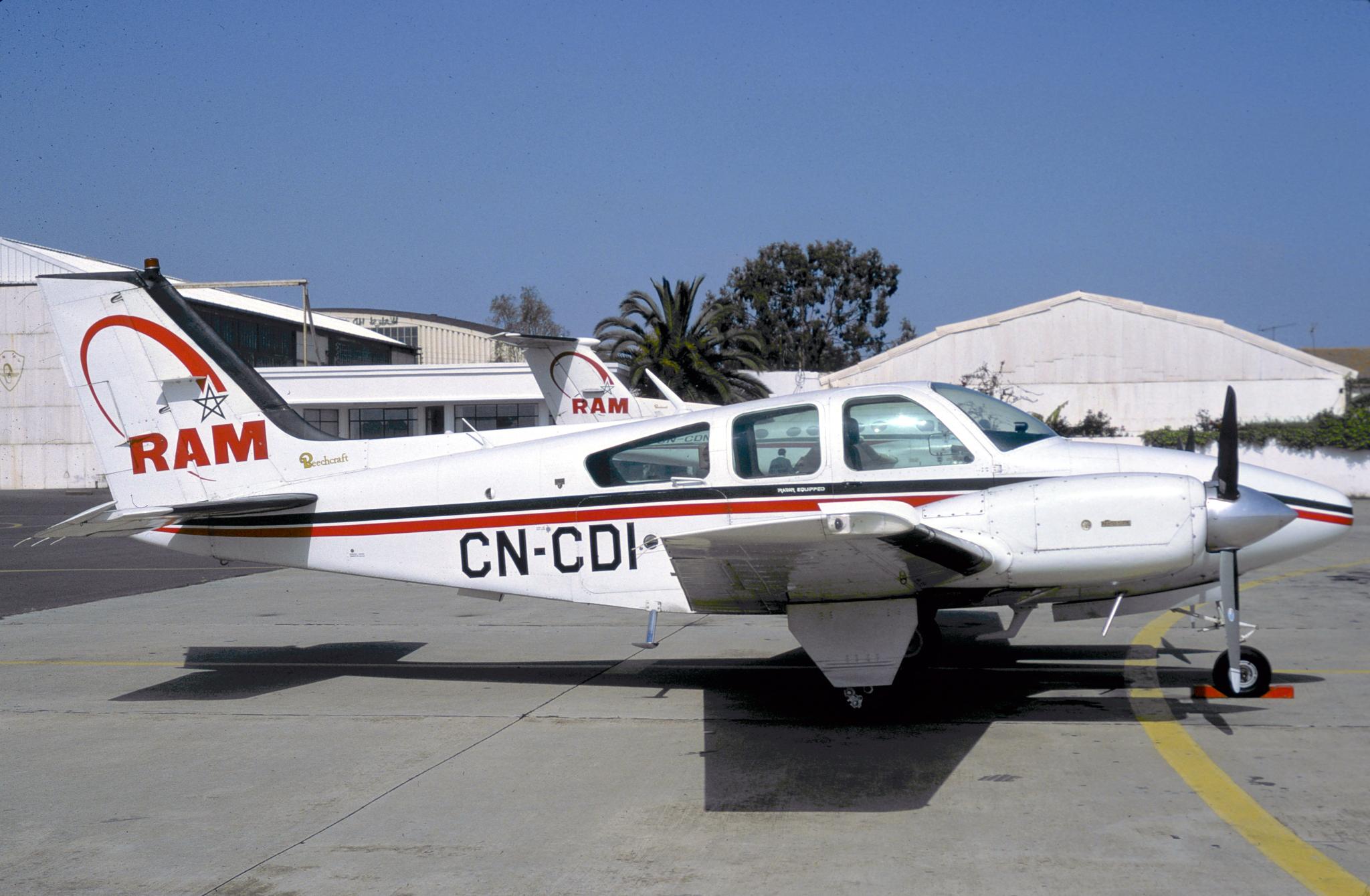 Anciens avions de la RAM 160128043224697643