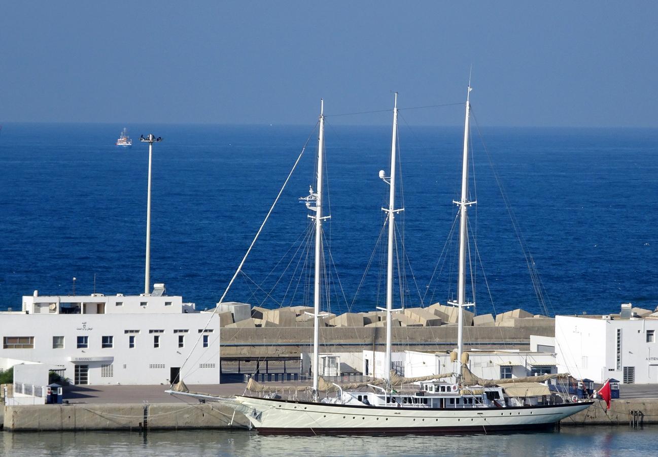 la flotte des Yachts Royals : El Boughaz I - Badis 1 - Page 2 160131063534798164