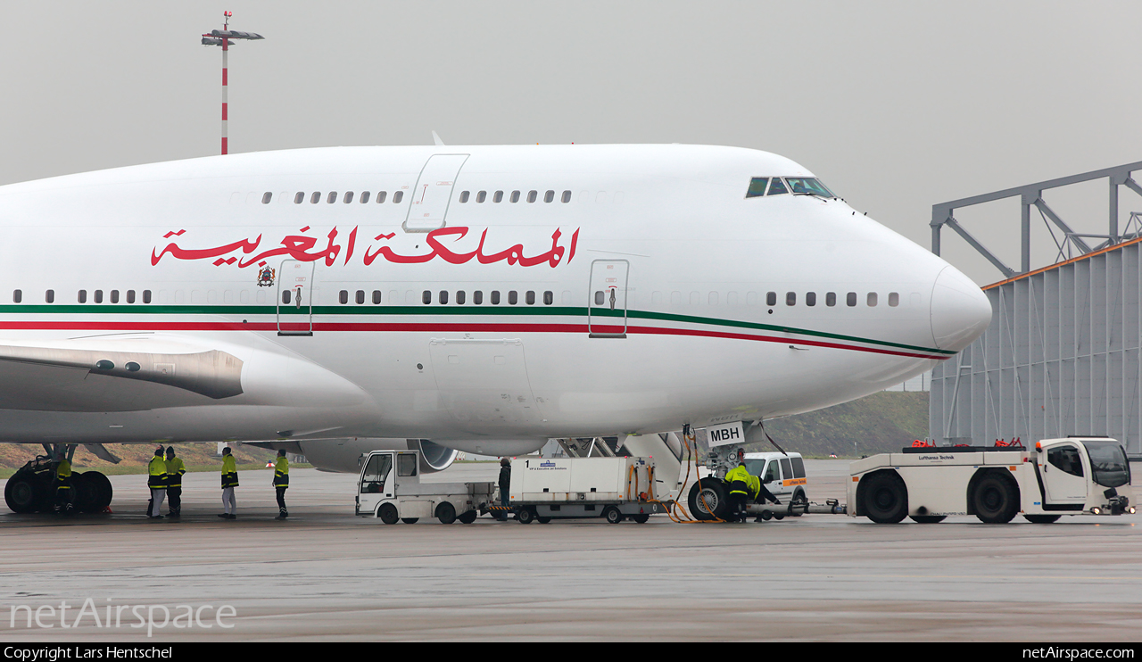 Air Force One marocain - Page 4 160219040408976147