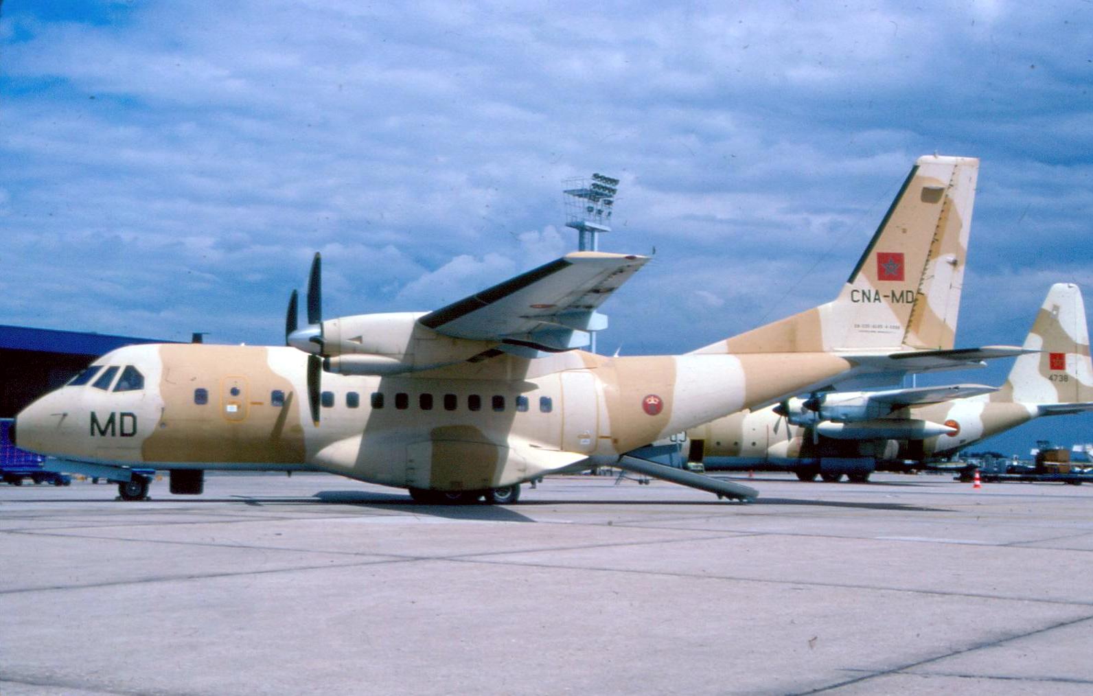 FRA: Photos d'avions de transport - Page 25 160227030547291977