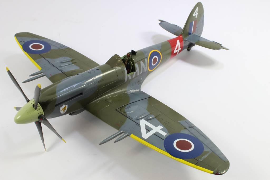 Spitfire F MK 22 , Eduard 1/48 .Limited édition ! 160227090533826348