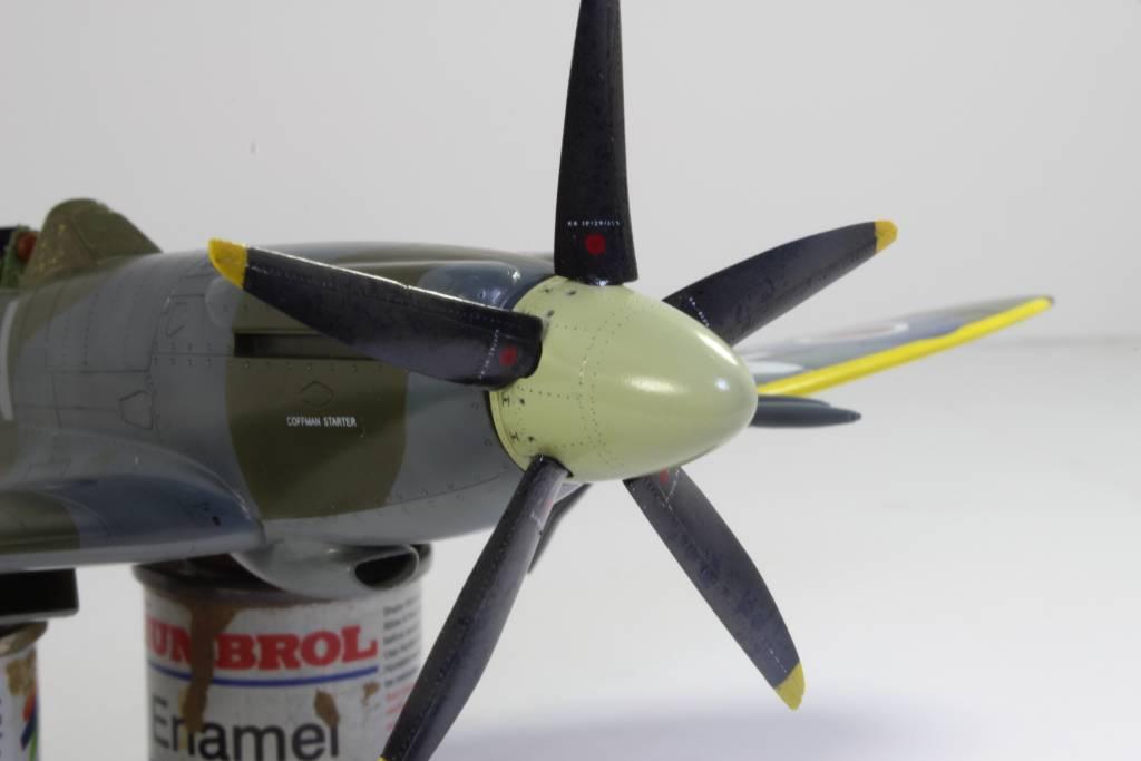 Spitfire F MK 22 , Eduard 1/48 .Limited édition ! 160227091134224344