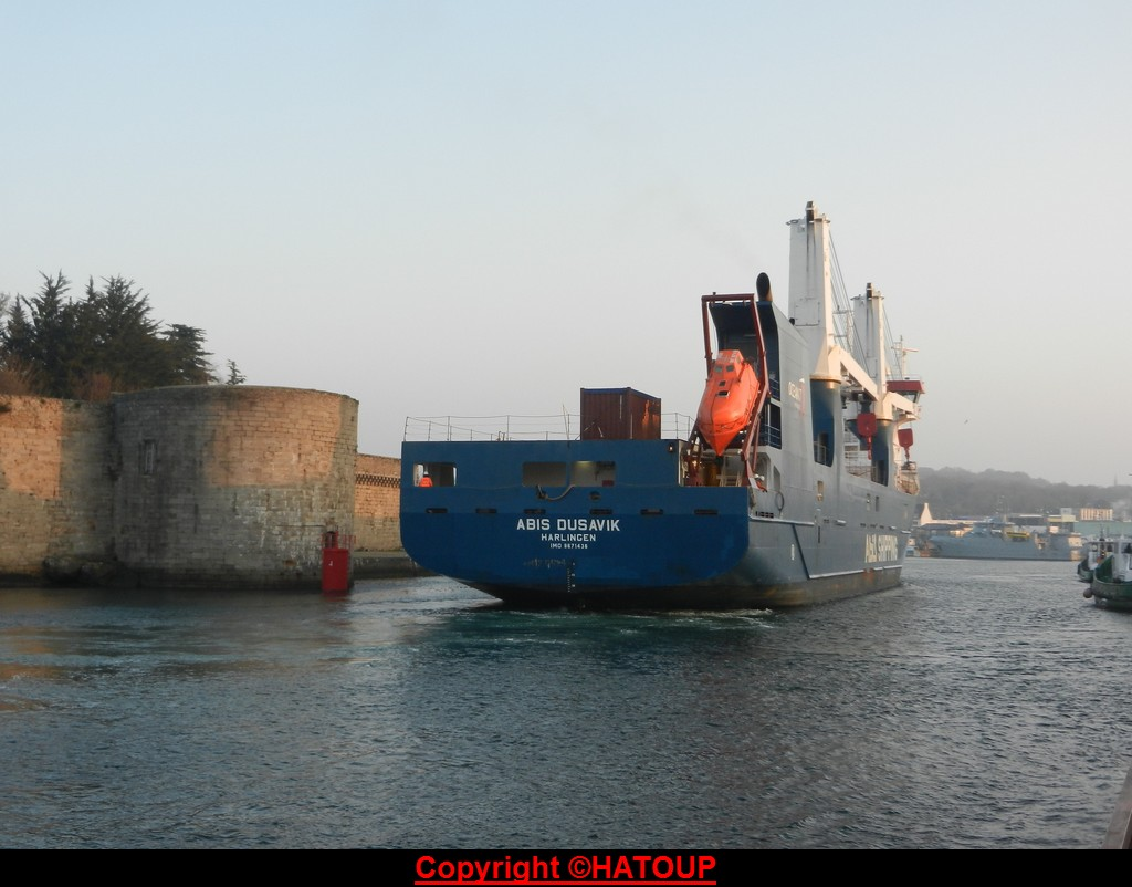 [Vie des ports] LE PORT DE CONCARNEAU - Volume 006 - Page 40 160315031759179947