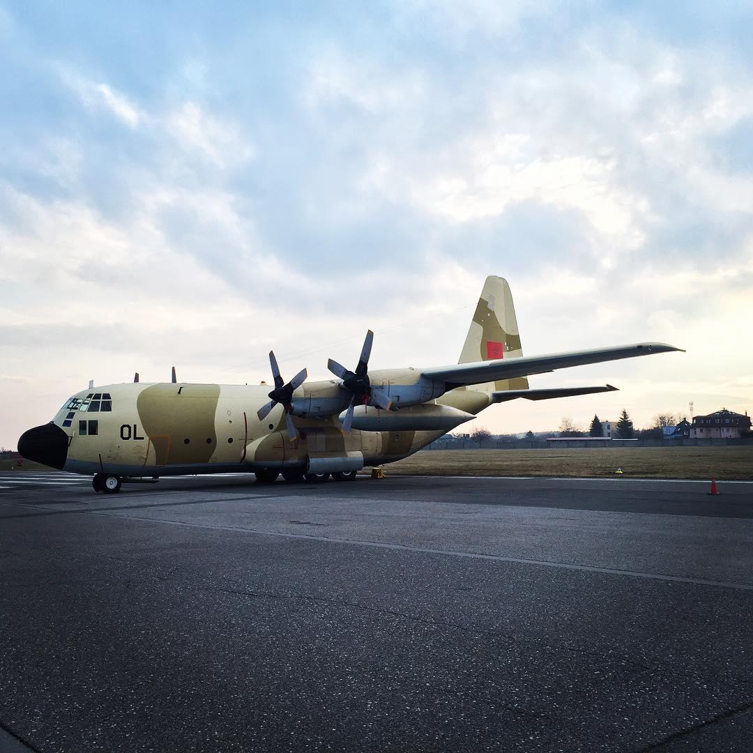 FRA: Photos d'avions de transport - Page 25 160316065454672576