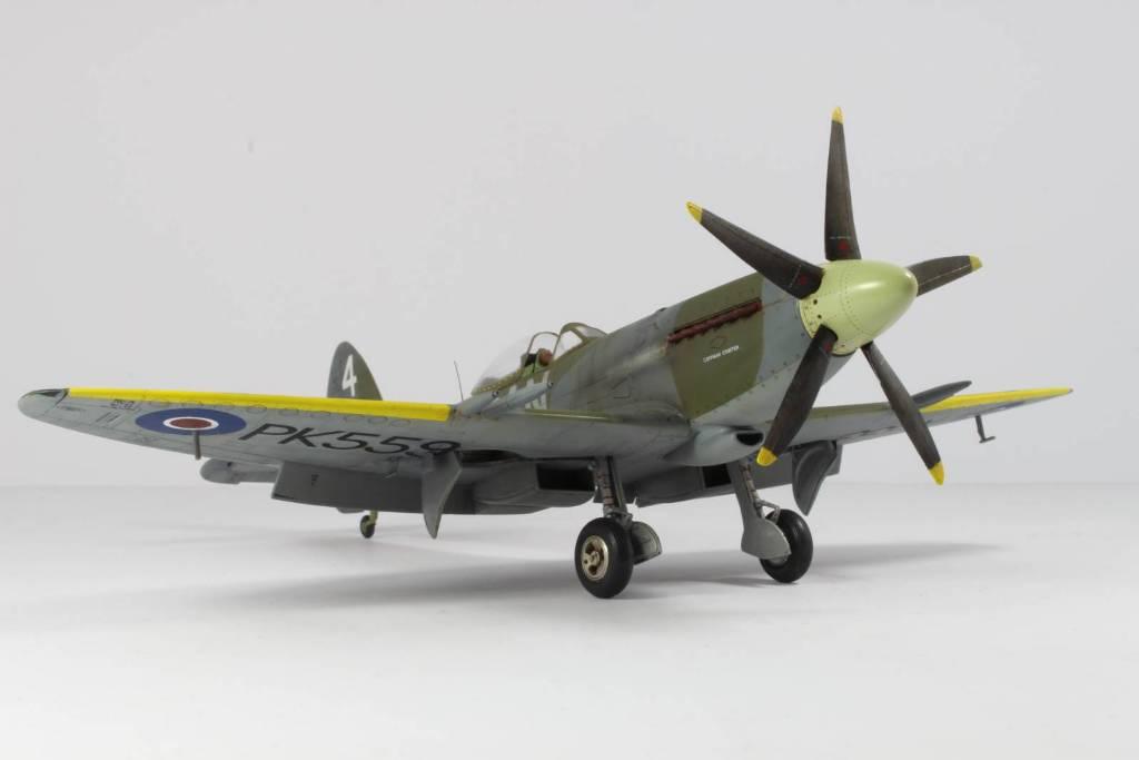 Spitfire F MK 22 , Eduard 1/48 .Limited édition ! 160413104411215563