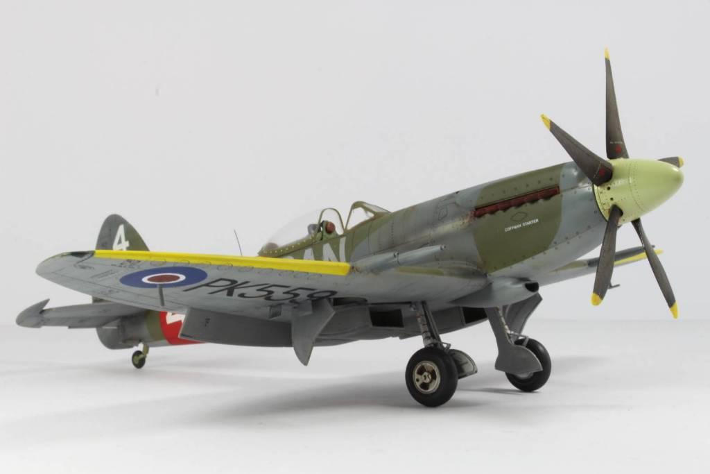 Spitfire F MK 22 , Eduard 1/48 .Limited édition ! 160413104520716204