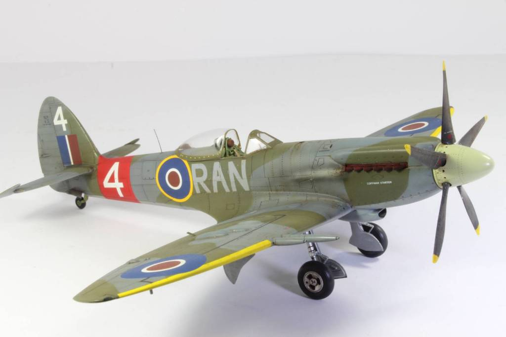 Spitfire F MK 22 , Eduard 1/48 .Limited édition ! 160413104709192831