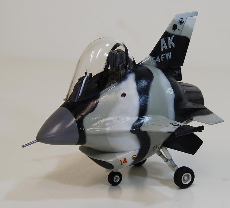"""diorama - Eggplane Diorama F-16 """"Arctic aggressor"""" Alaska 160419110155338313"""