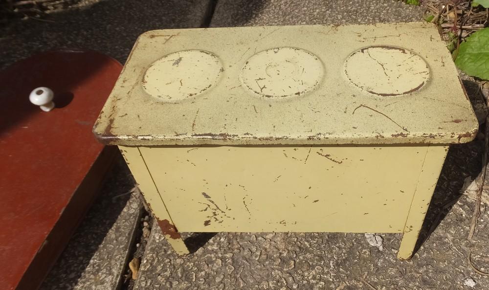 Jouet ancien cuisine mobilier gaziniere meuble en tole for Mobilier cuisine ancien