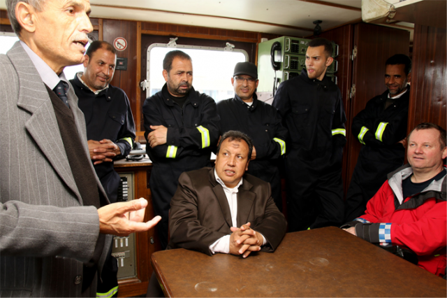 Sauvetage maritime au Maroc / service de recherche et de sauvetage  - Page 2 160512065203260905