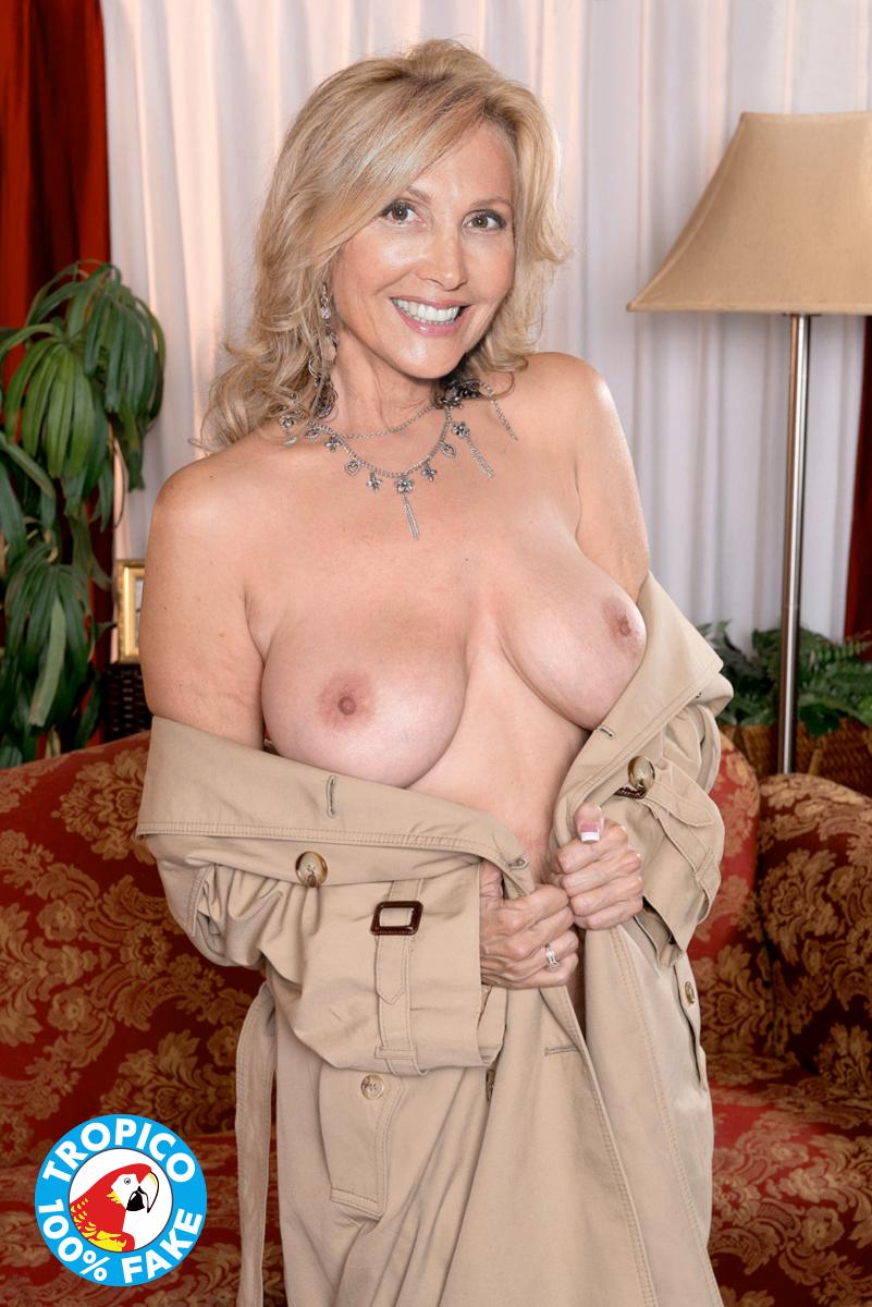 Gratuit faux seins porno