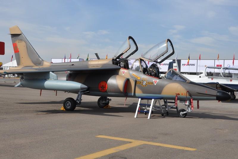 FRA: Photos avions d'entrainement et anti insurrection - Page 9 160527074004956232