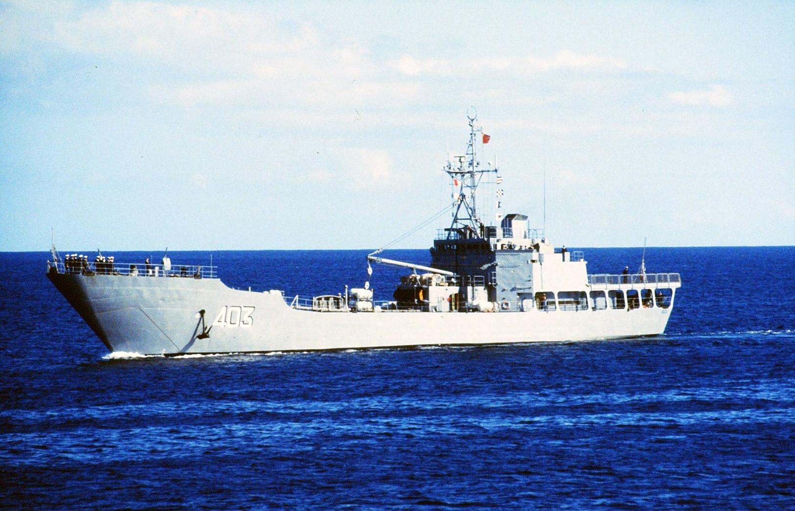 Royal Moroccan Navy Batral LST Class / Batral marocains classe Daoud Ben Aïcha - Page 4 160614065050694693