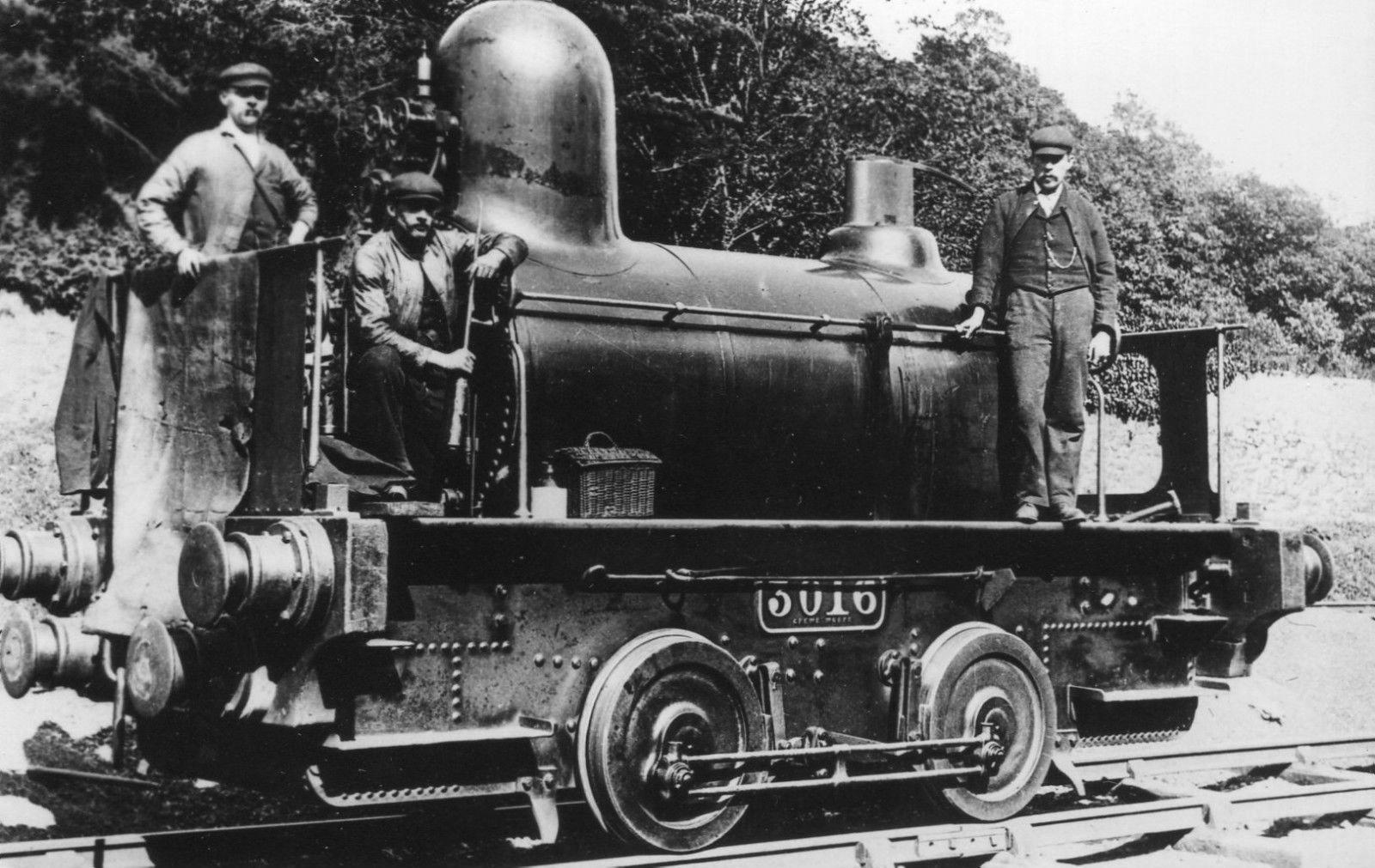 LNWR_engine_No.3016,_2360_Class