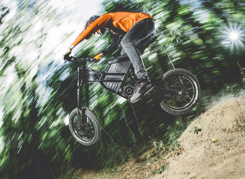 Kuberg Freerider : Un engin à mis chemin entre BMX et moto électrique ! Par Fabien (buzzecolo.com)                                          160725035058748607