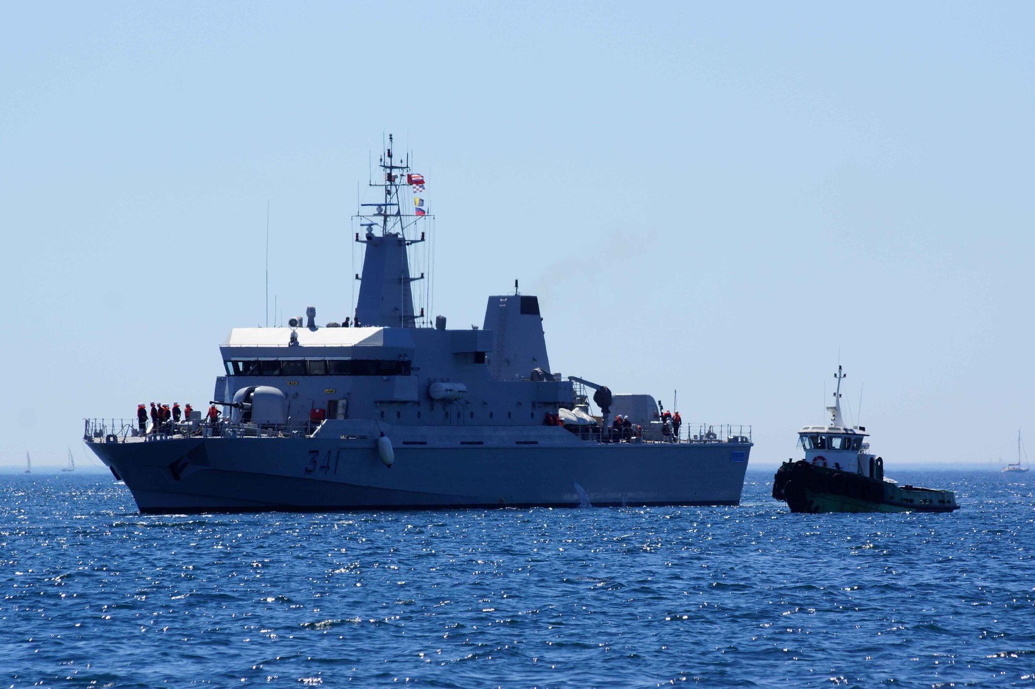 Royal Moroccan Navy OPV-70 / Classe Bir Anzarane - Page 5 160726073303440313