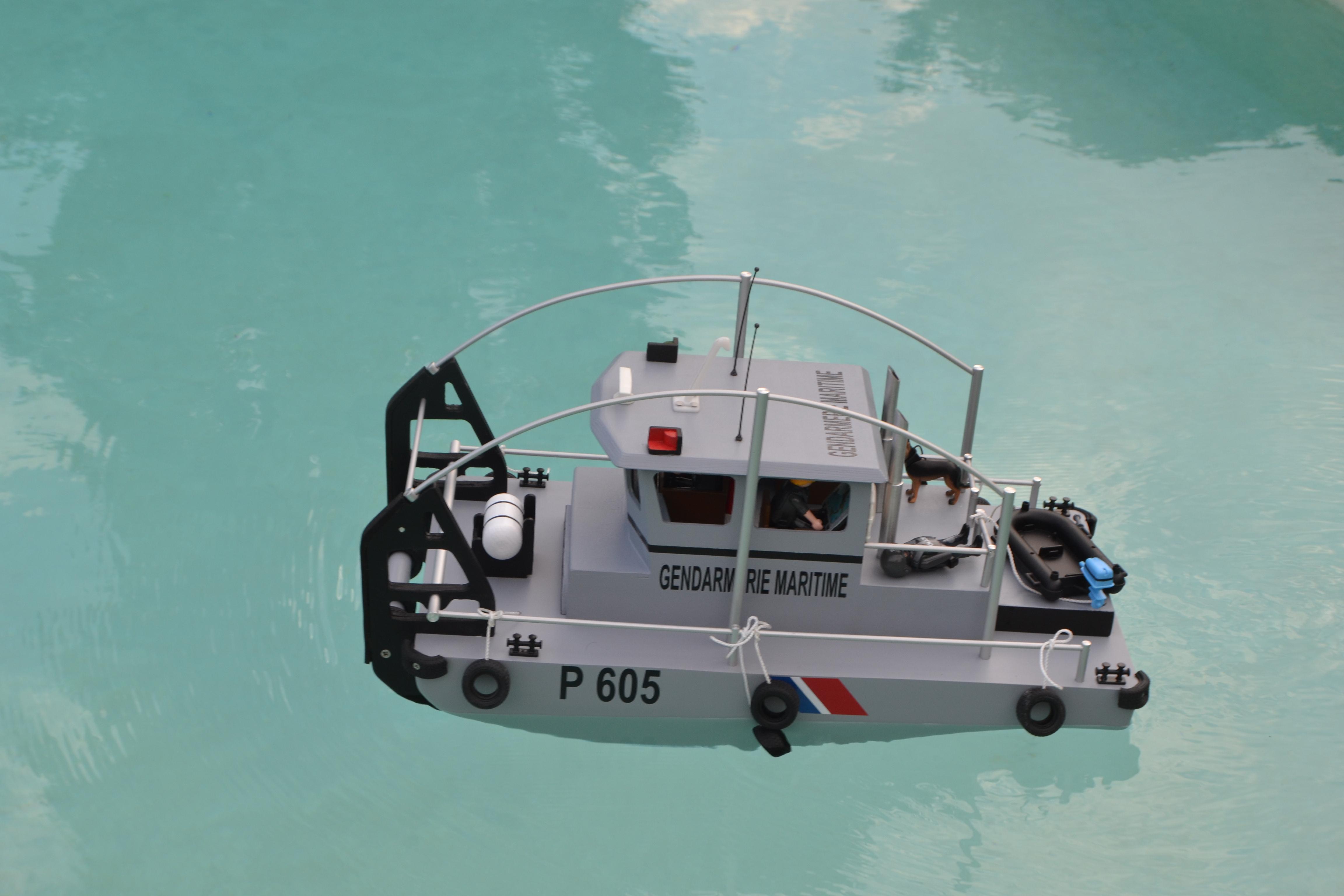 Construction d'un bateau de récupération 160814103106880742