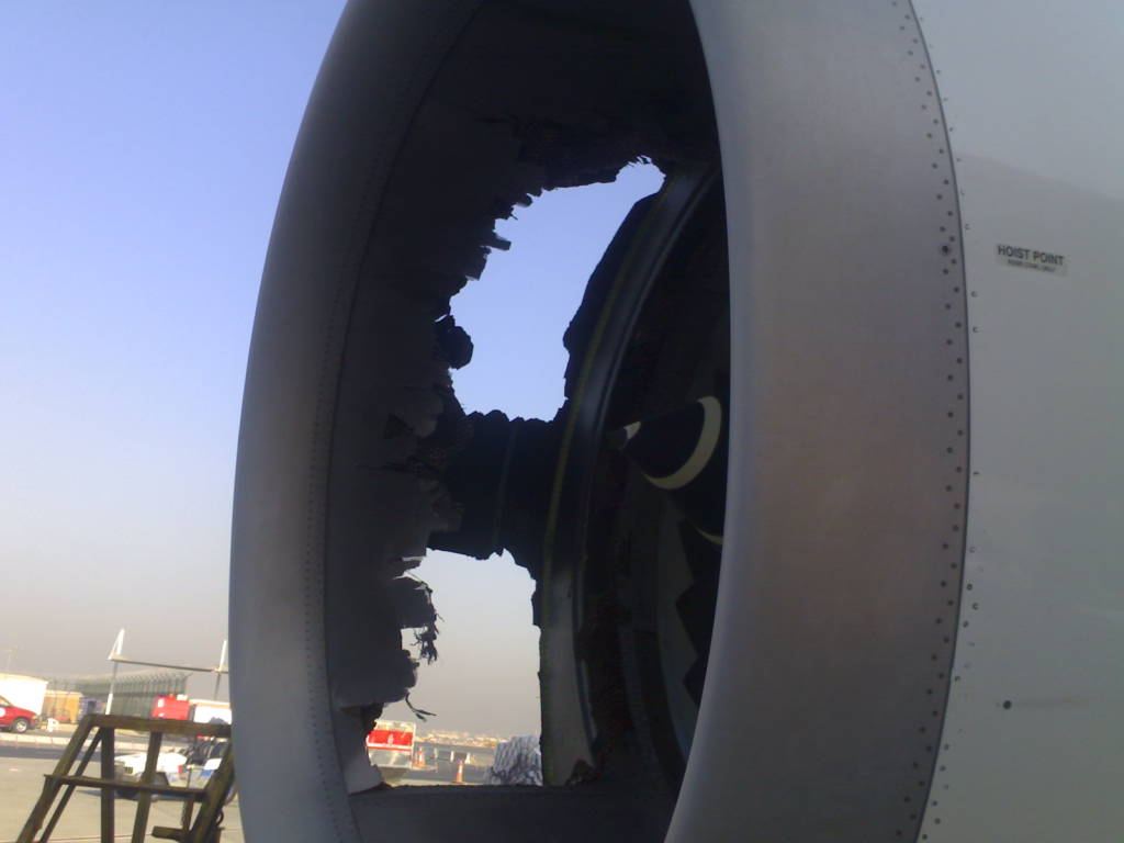 Southwest Flight 3472 : Uncontained fan failure - Page 2 16090408315189630