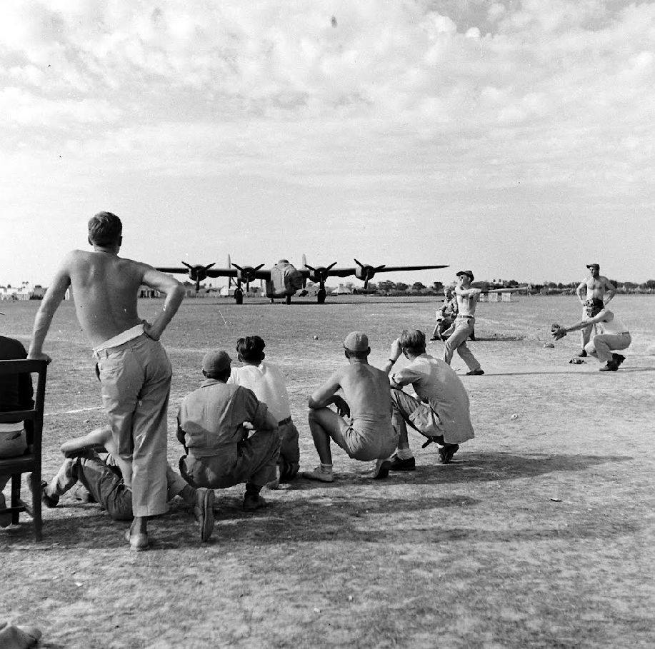 Général Clayton Bissell et 10th Air Force - Birmanie - 1943 160925014318671859