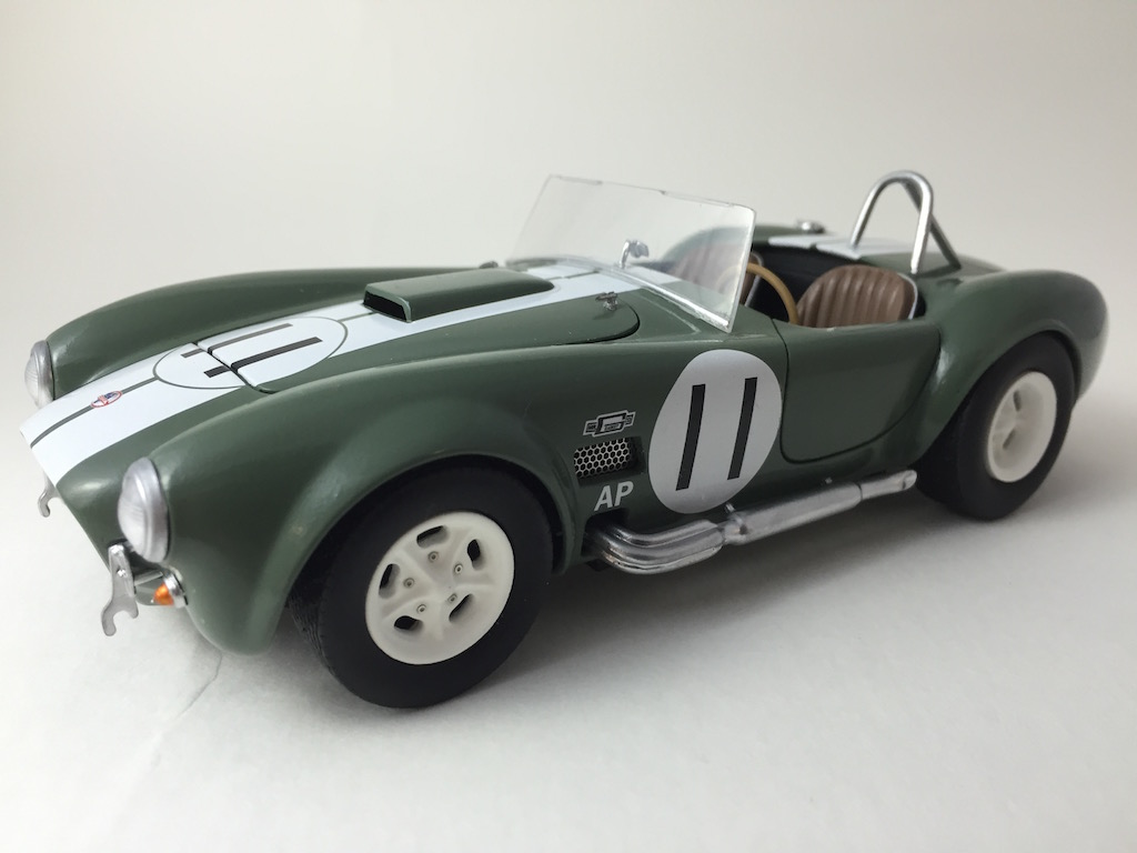 Shelby Cobra 427 (terminée) - Page 3 160925063826843913